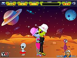 Aliens Kiss